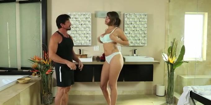 Jenna Sativa - стильная порно дамочка