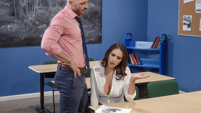 Сексуальная Студентка Занялась Сексом